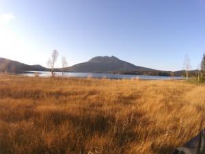 草紅葉の尾瀬沼